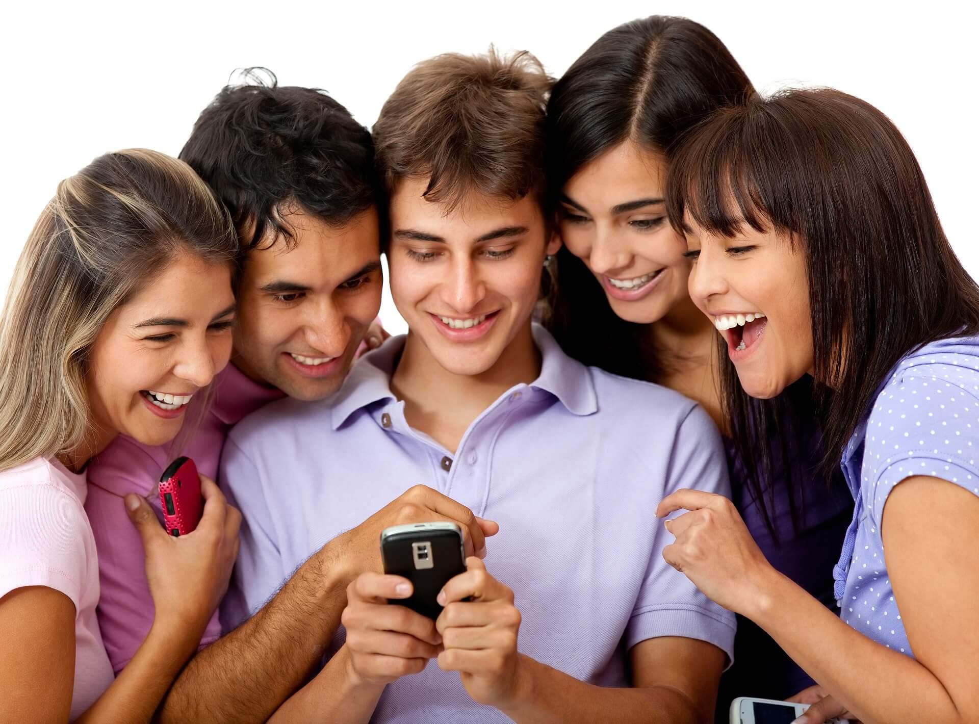 Viele Handyverträge verlängern sich automatisch um zwölf Monate, wenn sie nicht drei Monate vor Ablauf gekündigt werden. Günstige Konditionen gibt es oft nur für Neukunden.